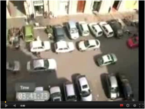 Jak parkują kobiety (śmieszne) ^^