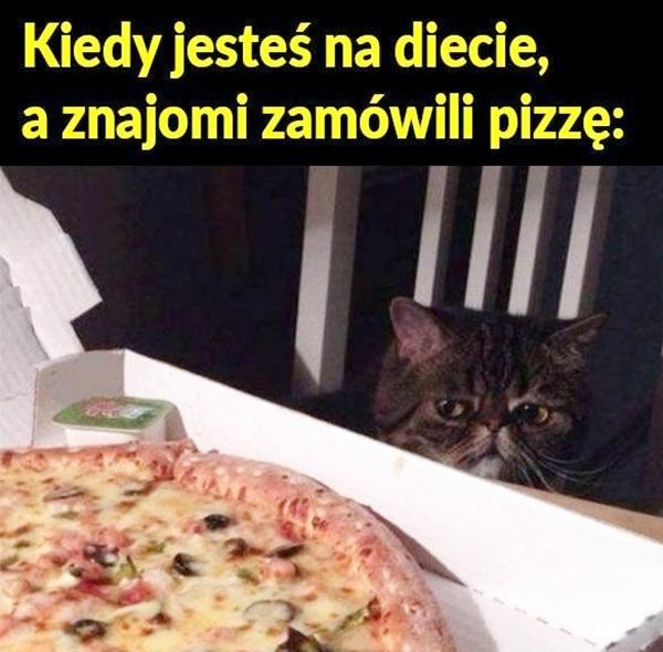 Kiedy jesteś na diecie, a znajomi zamówili pizzę