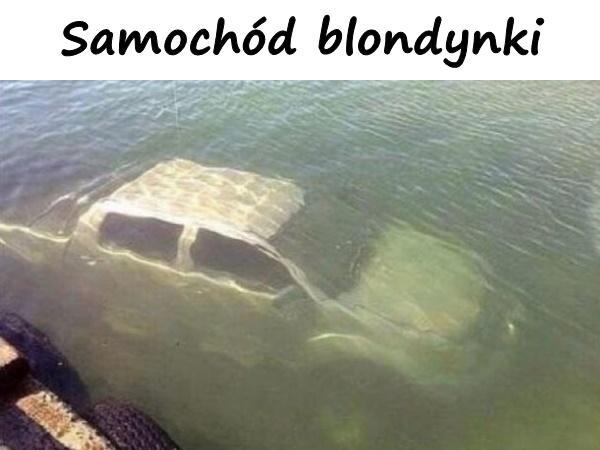 Samochód blondynki