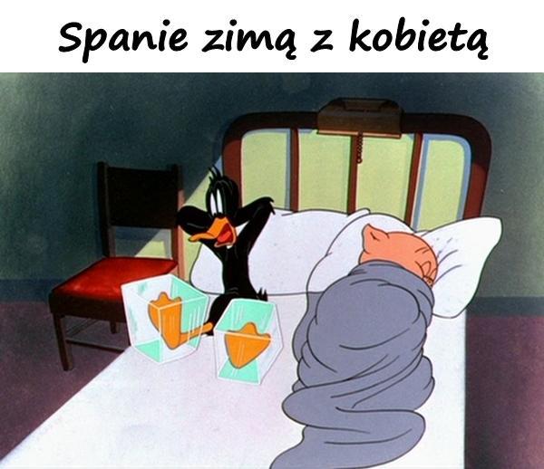 Spanie zimą z kobietą