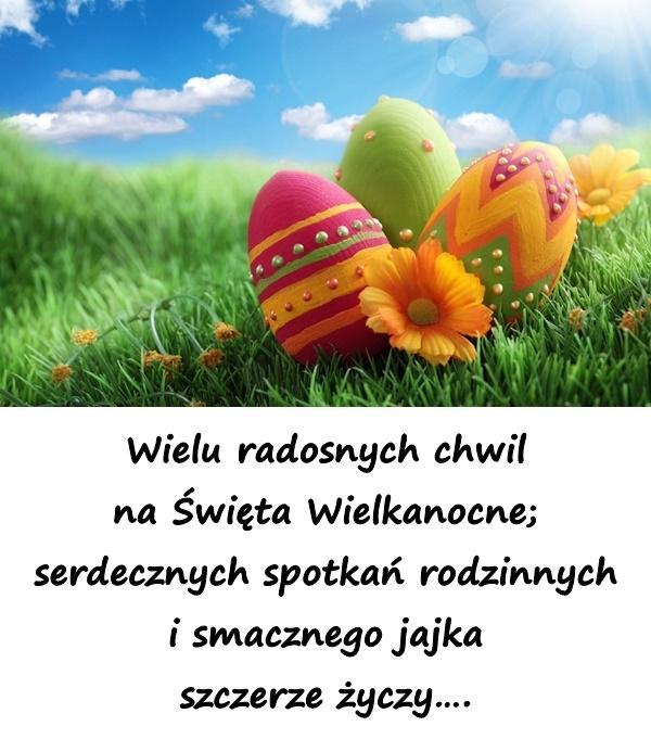 Wielu radosnych chwil na Święta Wielkanocne; serdecznych spotkań rodzinnych i smacznego jajka szczerze życzy.