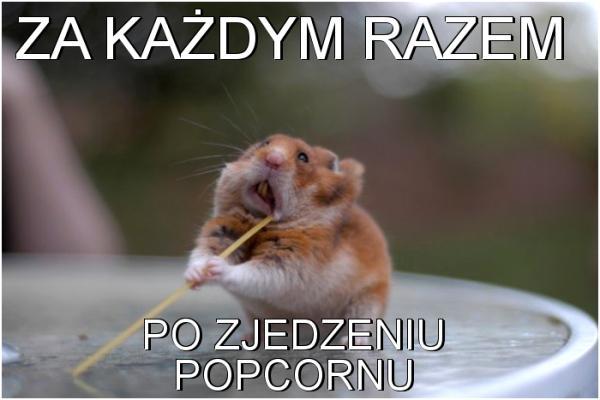 Za każdym razem po zjedzeniu popcornu te obrzydliwe resztki pozostają na zębach :/